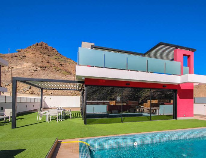 Fancy Living Like A Football Star David Silvas Home Is On The Market!